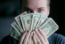 تصویر پول و موفقیت مالی از طریق کشف باورها و الگوهای منفی مالی